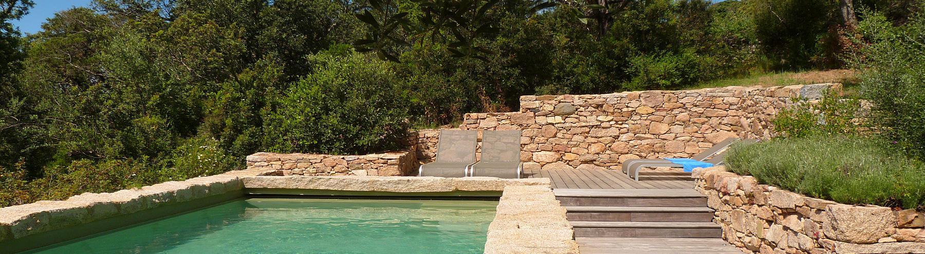 Villa avec piscine bord de mer : Golfe de Valinco