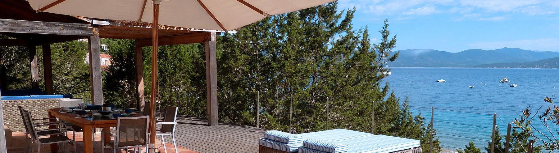 Villa à Campomoro pieds dans l'eau : Villa sur la plage :