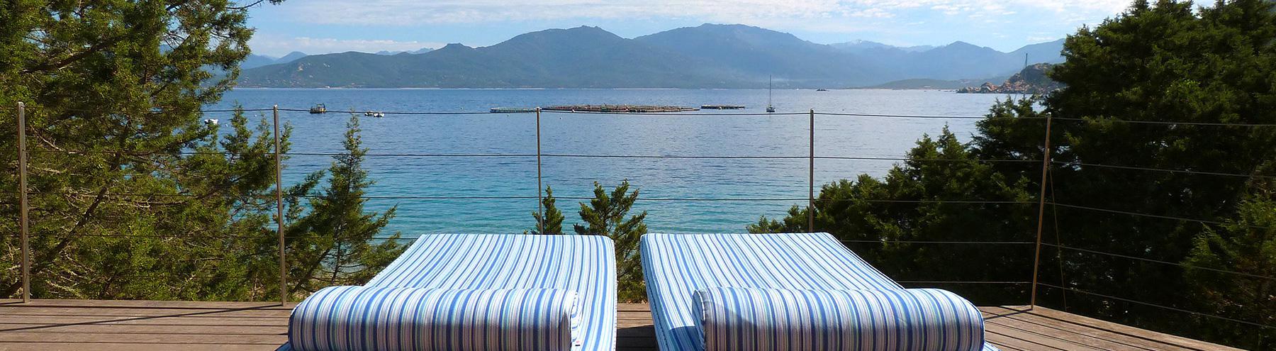 Villa avec terrasse vue mer région propriano : Pieds dans l'eau :